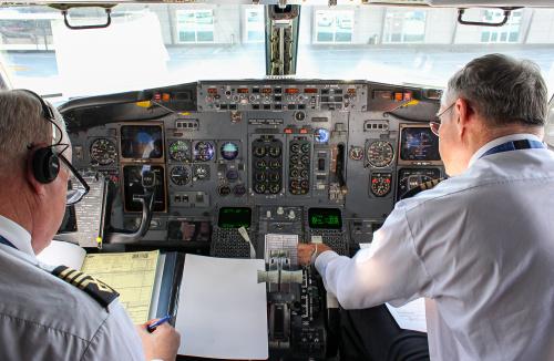 Kokpit Boeinga 737-400 LOTu przed ostatnim lotem tego samolotu