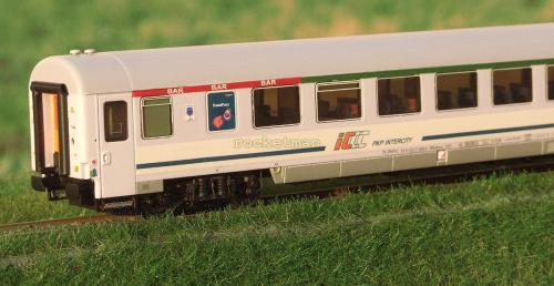 Wagon półbarowy PKP IC z kinematyką. Epoka V (VI) na wzór wagonu typu 155A w skali H0. Konwersja z modelu ACME #WARS #BAR #PKPIC H0 #wagon