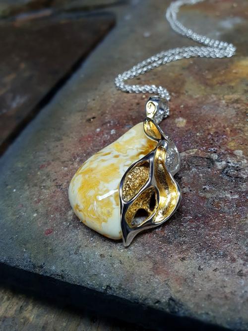 www.silverum.com.pl - #wisior #artystyczny #naturalny #bursztyn #biżuteria #wisiorek #biżuteria #srebrna #biżuteria #artystyczna #sklep #internetowy #srebro Gdańsk #artystyczna #biżuteria #wyroby #jubilerskie #wisiorek ..