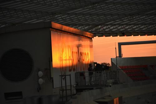 BayArena o zachodzie słońca